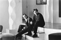 Kevin Spacey (als Verbal Kint) und Gabriel Byrne als (Dean Keaton)