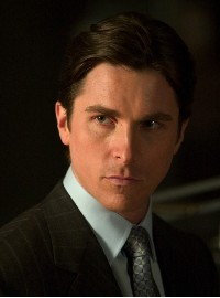 Christian Bale als Bruce Wayne...