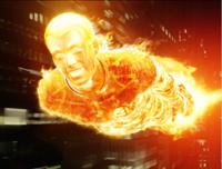 Johnny Storm (Chris Evans), die menschliche Fackel