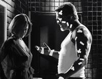 Lucille (Carla Gugino) und Marv (Mickey Rourke)