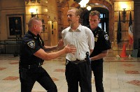 Jack Mosley (Bruce Willis) in Bedrängnis