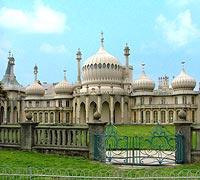"""Der """"Royal Pavilion"""" in Brighton. In englischen Städten wie dieser möchten viele mit Hilfe eines Sprachkurses ihr Englisch verbessern."""