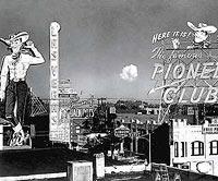 Eins der berühmtesten Fotos: der Vegas Vic mit Atompilz im Hintergrund