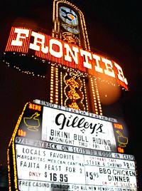 Die (Neon-)Lichter gehen in las Vegas nie aus: Glücksspiel und Prostitution prägen das Stadtbild