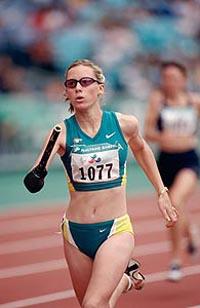 Paralympics Sydney 2000: eine Australierin auf der Jagd nach Gold