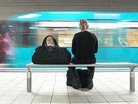 Bahnhöfe gehören für viele Menschen in Fernbeziehungen an Wochenenden zum Alltag