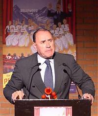 Gut besetzt! Der scheidende italienische Ministerpräsident Berlusconi wird von seinem Double Antonini gespielt.