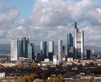 Die Finanzmetropole Frankfurt am Main. Als Bankkaufmann hat man hier höhere Verdienstchancen als in anderen deutschen Städten