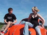 Mit dem Auto durch Deutschland. Anstatt ein Jahr nach Australien zu gehen entschieden sich Leonie und Joshua zu einer Erkundung ihres Heimatlandes mit dem Auto