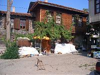 Ein für Bulgarien typisches Haus im Stil der nationalen Wiedergeburt im 18./19. Jahrhundert mit dem balkonartig überhängenden Obergeschoss.